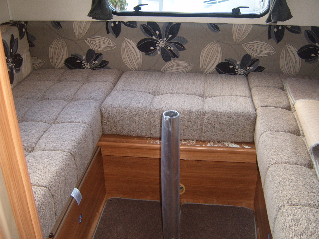 Caravan lounge seating arrangement